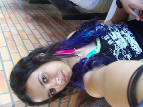Moça, você sempre vai ter idade de usar cabelo colorido