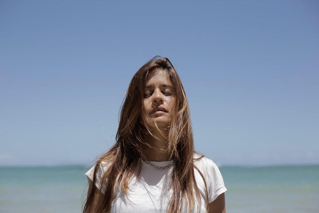 Vocalista do Cantos Malditos tem single solo produzido pelo Dosol