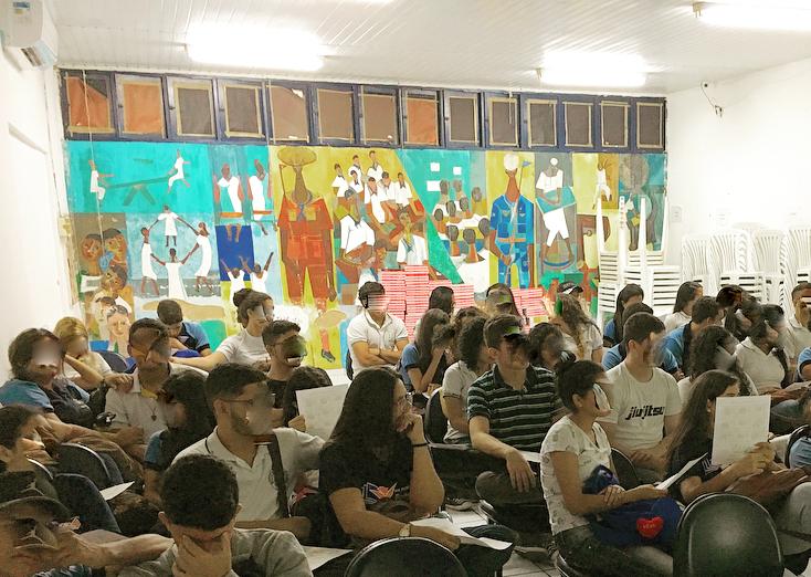 Obra de Dorian Gray no colégio Padre Miguelinho é deteriorada