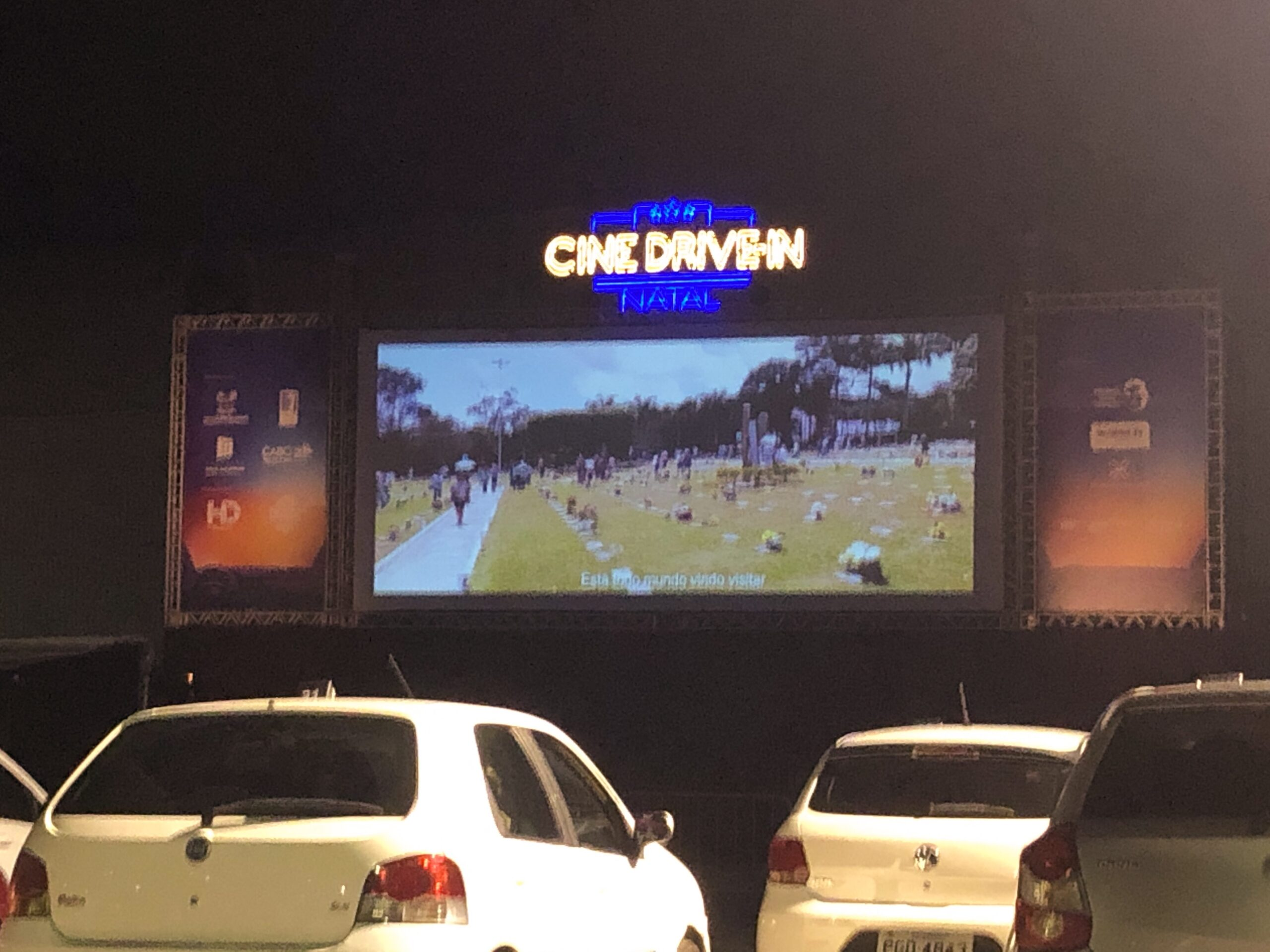 No escurinho do Drive-In Natal…