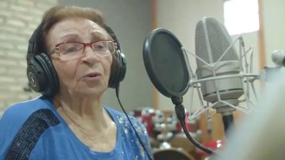 Glorinha Oliveira, a rouxinol que voou ao céu
