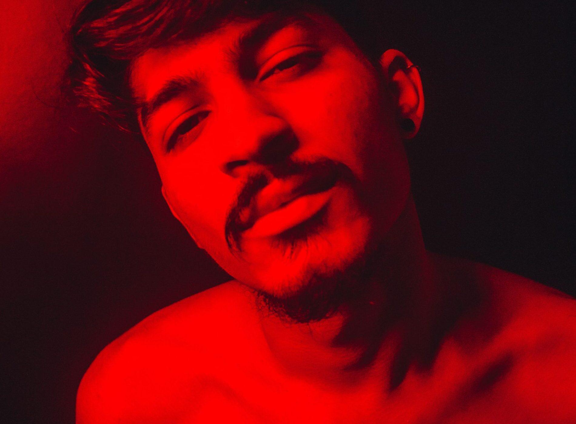 Você pode ajudar o Pedro Silveira a lançar o seu primeiro EP